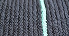 I have a new favorite knitting pattern. There will be herringbone / herringbone pattern . I have a new favorite knitting pattern. It is called herringbone / herringbone or herringbone. Crochet Loop, Find Your Fade Shawl, Knitting Patterns, Crochet Patterns, Crochet Ideas, Chevrons, Knitted Headband, Hand Dyed Yarn, Stitch Markers