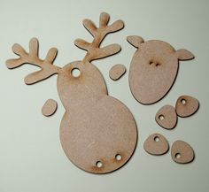 Best 12 A cute little reindeer hanger for Christmas. Included in the set are the reindeer body, head, four feet and two noses (because we all know glossy accents can go horribly wrong!) All you need to add is some string, ribbon or wire for his legs. Childrens Christmas, Nordic Christmas, Christmas Wood, Kids Christmas, Christmas Colors, Christmas Tables, Modern Christmas, Christmas Crafts To Make, Winter Crafts For Kids