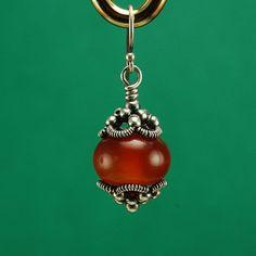 cool DIY Bijoux - Fixing Crooked Bead Caps | JewelryLessons.com Check more at https://listspirit.com/diy-bijoux-fixing-crooked-bead-caps-jewelrylessons-com/
