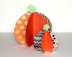 Produce a patch of pretty paper pumpkins