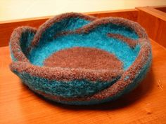 Pentafold Felted Moebius Bowl. Free knitting pattern for this fabulous felted bowl.