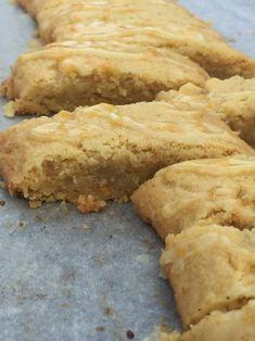 Cake Recipes, Dessert Recipes, Desserts, Grandma Cookies, Cake Bites, Sweet Pastries, Piece Of Cakes, Dessert Bars, No Bake Cake