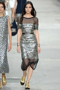 Sfilata Chanel Parigi -  Collezioni Primavera Estate 2015 - Vogue