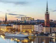 Visite la capitale de la Suède !  Avec ce super offre d'ideecadeau.ch vous passez à deux 2 nuits à Stockholm dans un hôtel de votre choix. Le prix de 500.- comprend les nuitées et les vols.  Réserve ici ton séjour citadin: http://www.besoin-de-vacances.ch/reserver-sejour-citadin-a-stockholm-2-a-500/