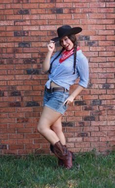 cowgirl but would wear jeggings and either a tied collared crop-top....or tied-to-be-cropped plaid shirt. & cowgirl halloween costume ideas - Google Search | Halloween costumes ...