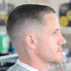 Best Military cuts for men.men different military cuts.stylish military haircut for any guy and men choose from. Military Haircuts Men, Haircuts For Men, Military Fade Haircut, Medium Hair Styles, Short Hair Styles, Military Cut, Salt And Pepper Hair, Cool Short Hairstyles, Hairstyles 2016