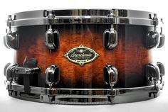 Tama Starclassic Performer B/B Ltd Snare Drum 14x6.5 Quilted Mocha Burst Hear how it sounds! http://youtu.be/sxP__WnwHXQ Available for purchase here! http://www.drumcenternh.com/catalog/product/view/sku/TAMA-PLS65BNQMOB
