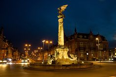 Dragonfountain, 's-Hertogenbosch, Netherlands Going Dutch, Frogs, Pitch, Drake, Netherlands, Places Ive Been, Paris Skyline, Holland, Beautiful Places