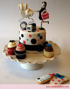 Click to enlarge Mommy-to-be Cupcake Topper with Cookies