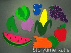 Flannel Friday: Lunch!   storytime katie. Multiple uses. Rainbow Stew. Mouse puppet eating them.