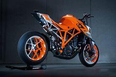 Remorque Hydraulique TOP TRAILER + moto KTM = Facile de partir Rider !