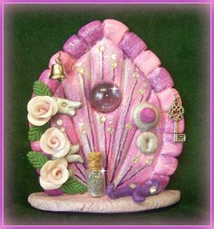 polymer clay fairy door - Crafting Sense - Hobbies paining body for kids and adult Polymer Clay Fairy, Sculpey Clay, Polymer Clay Projects, Twig Crafts, Fairy Crafts, Biscuit, Clay Fairy House, Clay Fairies, Fairies Garden