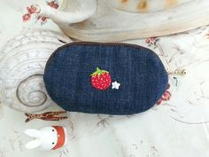Handmade Berryberry coin purse/redblue.Embroidered by Sujstory