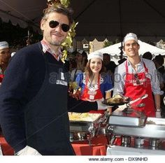 And I've just become so hungry Simon Halls & Matt Bomer Thanksgiving for homeless LA Mission.  21.11.2012 #Charity