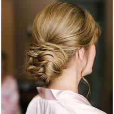 @VeilOfGrace posted to Instagram: I absolutely love that there are so many variations of the chignon (low bun at the nape of the neck). They can be designed in exactly the right way to complement your style, dress, and venue.   Bring in your inspirational chignon photos of the day of your bridal trial!  To book your bridal beauty trial now, contact us through the link in our bio.  We can't wait to help you become the radiant bride of your dreams!  VEIL OF GRACE BRIDAL BEAUTY TEAM Bridal…