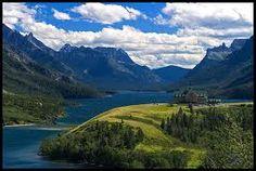 My favorite place in the wntire world. Waterton, Alberta, Canada