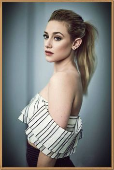 Find images and videos about riverdale, lili reinhart and betty cooper on We Heart It - the app to get lost in what you love. Lili Reinhart, Pretty People, Beautiful People, Beautiful Pictures, Betty Cooper Riverdale, Riverdale Betty, Riverdale Veronica, Camila Mendes Riverdale, Betty And Jughead