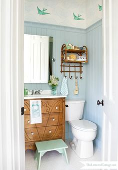 A Half-Bath Gets a Cottage-Style Makeover