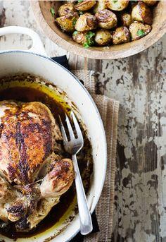 """Receta 824: Pollo asado en cocotte » 1080 Fotos de cocina - proyecto basado en el libro """"1080 recetas de cocina"""", de Simone Ortega. http://www.alianzaeditorial.es/minisites/1080/index.html"""