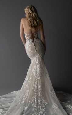 This lace wedding dress from Martina Liana is a dream come true! ☁️ Beautiful lace details and luxurious fabric. Repin This Look to your dream wedding dress board!💕// www.martinaliana.com Dream Wedding Dresses, Designer Wedding Dresses, Wedding Gowns, Tight Wedding Dresses, Wedding Veil, Bridesmaid Dresses, Prom Dresses, Blush Bridal, Bridal Gowns