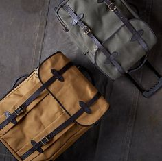 Constructed of Rugged Twill, oil finish Tin Cloth, Bridle Leather & brass hardware. Nothing beats Filson Luggage. Mens Travel Bag, Leather Luggage, Bradley Mountain, Luggage Bags, Backpacks, Accessories, Tin, Check, Night