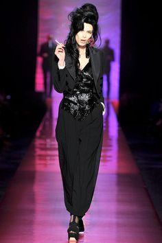 Fotos de Pasarela | Jean Paul Gaultier Haute Couture, primavera-verano 2012 Primavera Verano 2012 París | 22 de 72 | Vogue México