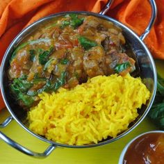 Slow Cooker Lamb Rogan Josh - A Lamb Rogan Josh is a classic Indian takeaway order, and now you can save yourself money and calories by making it yourself. Even better, it is done in the slow cooker, so you can come home to it already bubbling away and ready to eat. This Slow Cooker Lamb Rogan Josh has quickly become a firm favourite in our house. Healthy alternative to takeaway Cirio, crockpot, curry, slow cooker, Slow Cooker Lamb Rogan Josh
