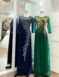 Abaya Fashion, Muslim Fashion, Fashion Dresses, Embroidery Suits Design, Embroidery Dress, Hijab Evening Dress, Evening Dresses, Beautiful Suit, Beautiful Dresses