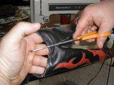 boot purse tutorial...P6050363 by shawneeh, via Flickr