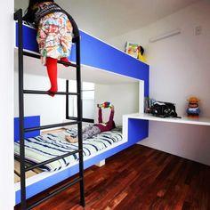 二段ベッドを真ん中に置いた子供部屋
