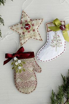 Puffy Paper Ornaments Using by Erin Lincoln for Papertrey Ink (December 2015)