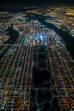 The lights of New York, seen from a plane