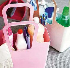 Organiza los productos de limpieza