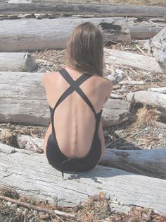 Pretty sure this unhealthy to see your vertebrae and shoulder blades girl you need a cheese burger