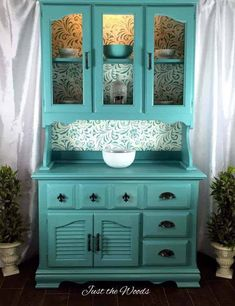 Vintage painted china cabinet custom sea foam stencil, painted furniture - They turned trash into treasure, and so can you! Hand Painted Furniture, Refurbished Furniture, Paint Furniture, Upcycled Furniture, Furniture Projects, Furniture Makeover, Vintage Furniture, Vintage Wood, Turquoise Painted Furniture