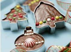 Fudge Cookie Cutter Gift - use any fudge recipe, press in a cookie cutter, decorate, then wrap in a cellophane bag and tie with a ribbon. Would make cute Christmas Teacher Gift!