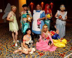 genderbend disney villain cosplay   Cosplay se constitui no ato de se vestir como personagens de desenhos ...