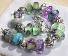 Antique flowers bracelet - Show us YOUR #trollbeads !!