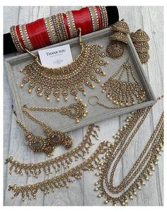 Pakistani Bridal Jewelry, Indian Bridal Jewelry Sets, Wedding Jewelry For Bride, Indian Jewelry Earrings, Indian Wedding Makeup, Indian Necklace, Fancy Jewellery, India Jewelry, Stylish Jewelry