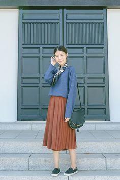 Tricia Gosingtian - Moussy Sweater, Murua Culottes, Tory Burch Slip Ons, Vince Camuto Bag, Murua Scarf - 101215