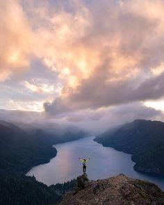 Hills Fairy Cloud Sky Large Weekender Carry-on Ambesonne Landscape Gym Bag