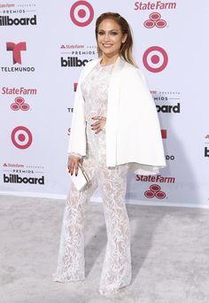 Pin for Later: Best Dressed: Die schönsten Looks der ganzen Woche Jennifer Lopez in Zuhair Murad
