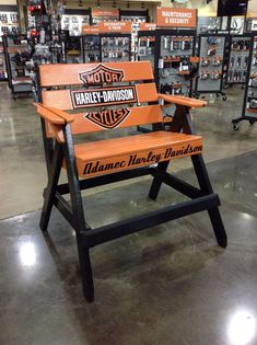 22 Best DIY crafts of Harley Davidson - vintagetopia Harley Davidson Iron 883, Harley Davidson Motorcycles, Davidson Homes, Wood Crafts, Diy Crafts, Lifeguard Chair, Adirondack Chairs, Pallet Furniture, Wood Projects