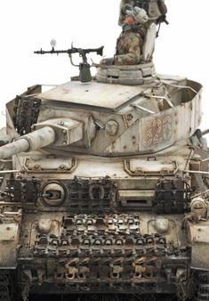 Which tank from WWII is your favorite? I like Panzer IV the most, because it was probably used on every front, many versions give a huge… Scale Model Ships, Scale Models, Trump Models, Self Propelled Artillery, Panzer Iv, Model Maker, Tiger Tank, Model Tanks, Military Modelling