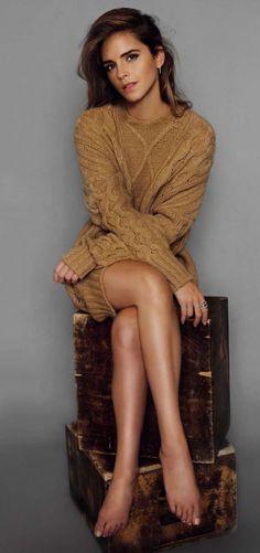 Emma Watson is my fashion icon. Emma Watson photographed by Bernardo Doral for ELLE Spain (October Style Emma Watson, Emma Watson Elle, Emma Watson Estilo, Ema Watson, Beautiful Celebrities, Beautiful People, Beautiful Legs, Elle Spain, Mini Robes