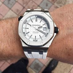 ___________________________________ #audemarspiguet_official ___________________________________ Photo via @t_schleicher All credits goes to the photographer   owner ----------------------------------------------- Visit us : http://ift.tt/JcB3cH ----------------------------------------------- Tag your photos with: #audemarspiguet #ap #audemars #piguet #experience #watch #ap_gallery #luxury #platinum #chronograph #tourbillon #exceptional #gold #offshore #quality #handmade #chrono #bezel…