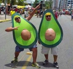 Happy Halloween to all! Bring on the Halloween Memes! Funny Cute, The Funny, Super Funny, Avocado Costume, Holloween Costumes For Men, Easy Funny Halloween Costumes, Halloween Disfraces, Halloween Kostüm, Hilarious Memes