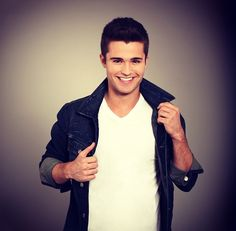 Spencer Boldman! That awkward moment when a man is prettier than you