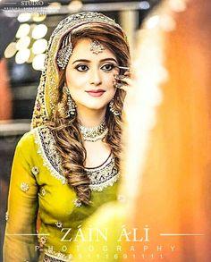 Pakistani Bridal Makeup, Bridal Mehndi Dresses, Desi Wedding Dresses, Pakistani Wedding Outfits, Bridal Outfits, Pakistani Dresses, Beautiful Bridal Makeup, Bridal Beauty, Beautiful Bride