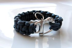 Navy paracord